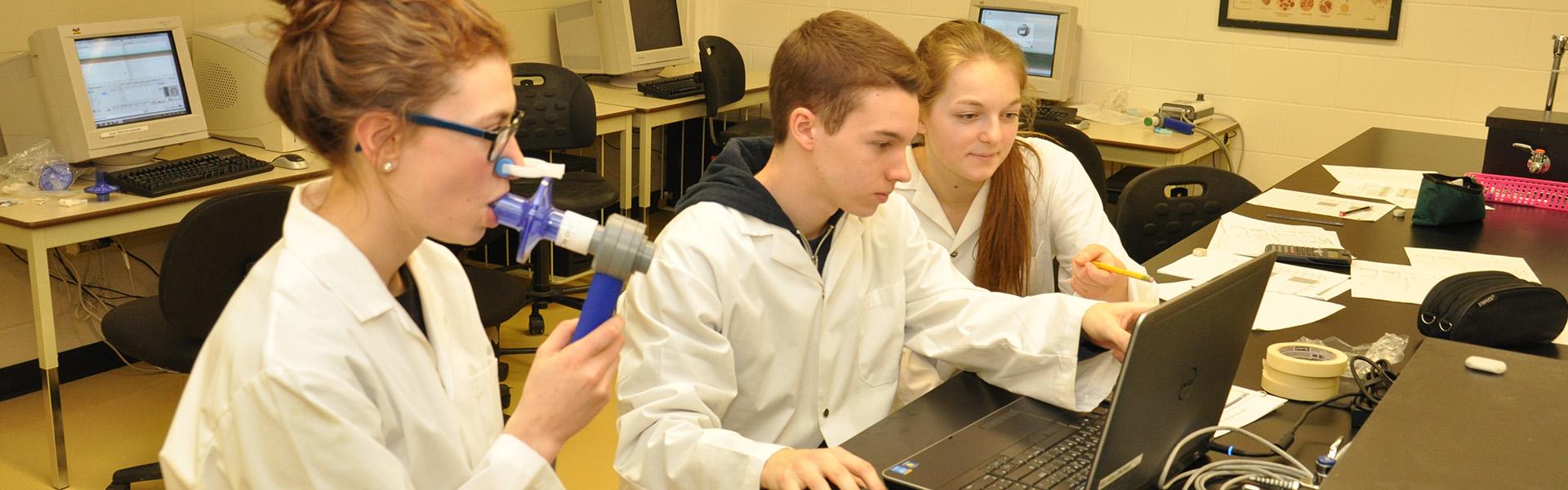 Laboratoire de biologie : compilation de données en spirométrie.