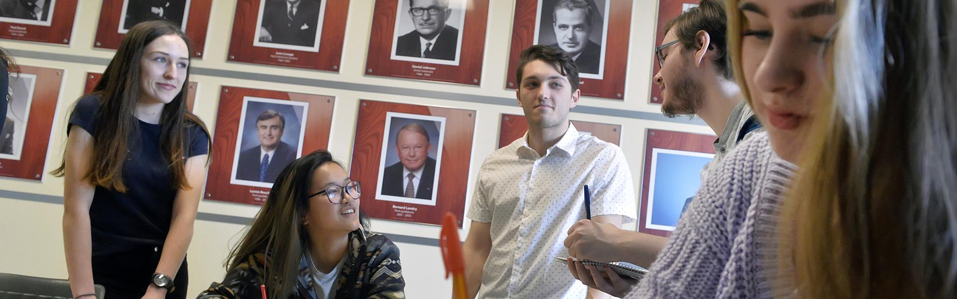 Des étudiants du programme Sciences humaines du Cégep de Sherbrooke