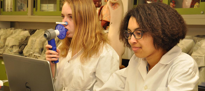 Laboratoire de biologie : test de ventilation lors de la spirométrie