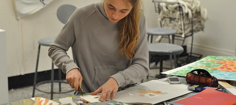 Cours Pratique de l'art : utilisation du matériel propre à un médium déterminé