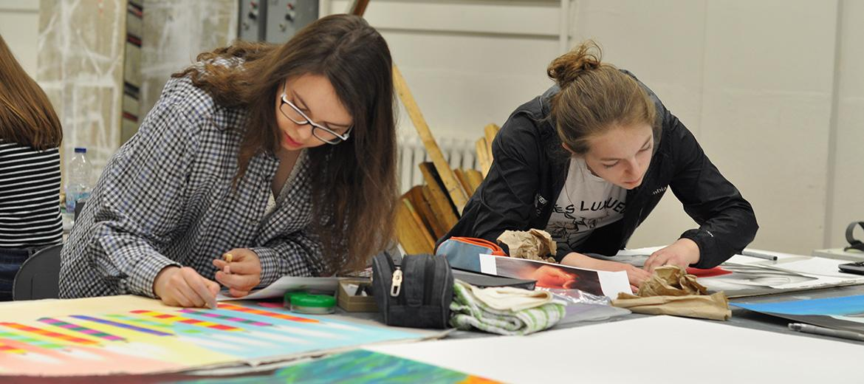 Cours Pratique de l'art : élaboration d'un travail en équipe