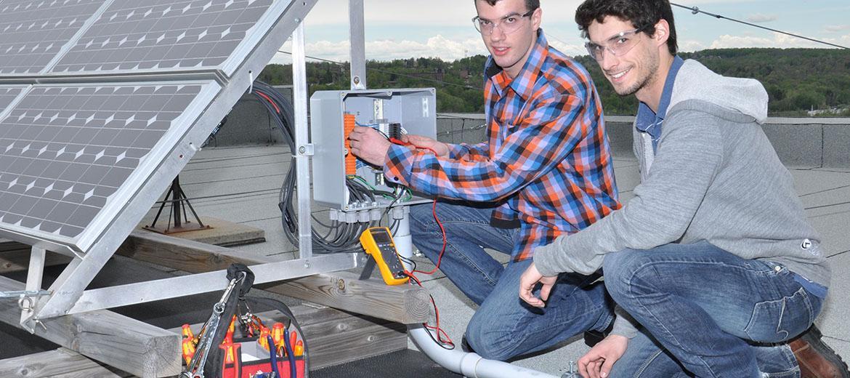 Régénération  des énergies renouvelables du Cégep en Technologie de l'électronique industrielle.