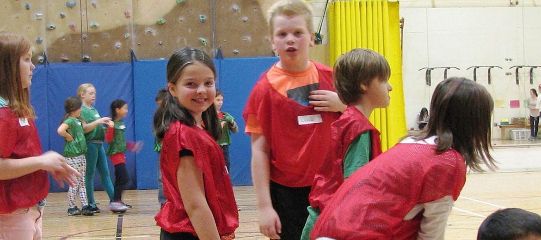 Un accès au Centre d'activité physique permet de recevoir des enfants d'âge scolaire.