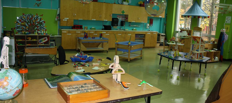 Autre vue sur le laboratoire pour les activités en présence d'enfants
