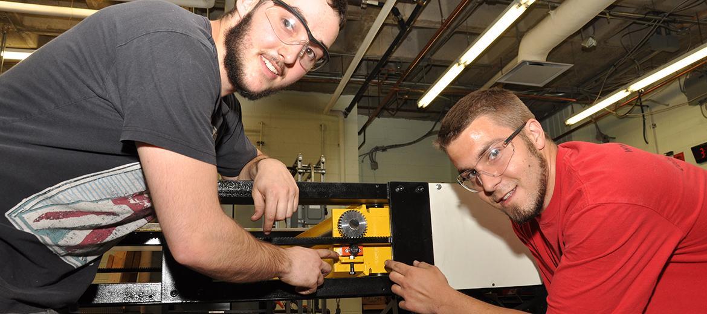 Conception et fabrication d'un banc de traction pour tester la résistance d'équipement d'escalade.